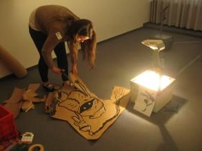 Graffitiworkshop: Vergrößern der Vorlagen Mithilfe des OHP
