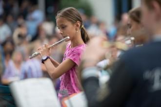 Solistin der Bläserklasse auf dem Schulfest 2014